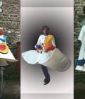 Réalisation de costumes en vinil et armatures de personnages sur échasses.