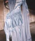 Création d'un costume sur échasses inspiré d'un cheval ailé.
