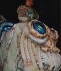 Réalisation de ce monstre en mousse autour de deux comédiens sur échasses.